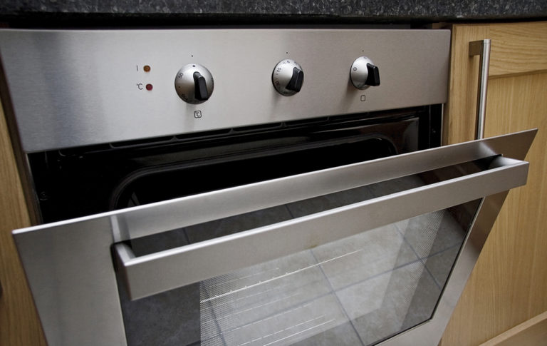 call us for fast professional oven door repairs Winchelsea or for your oven hinge repair, geelong and bellarine peninsula